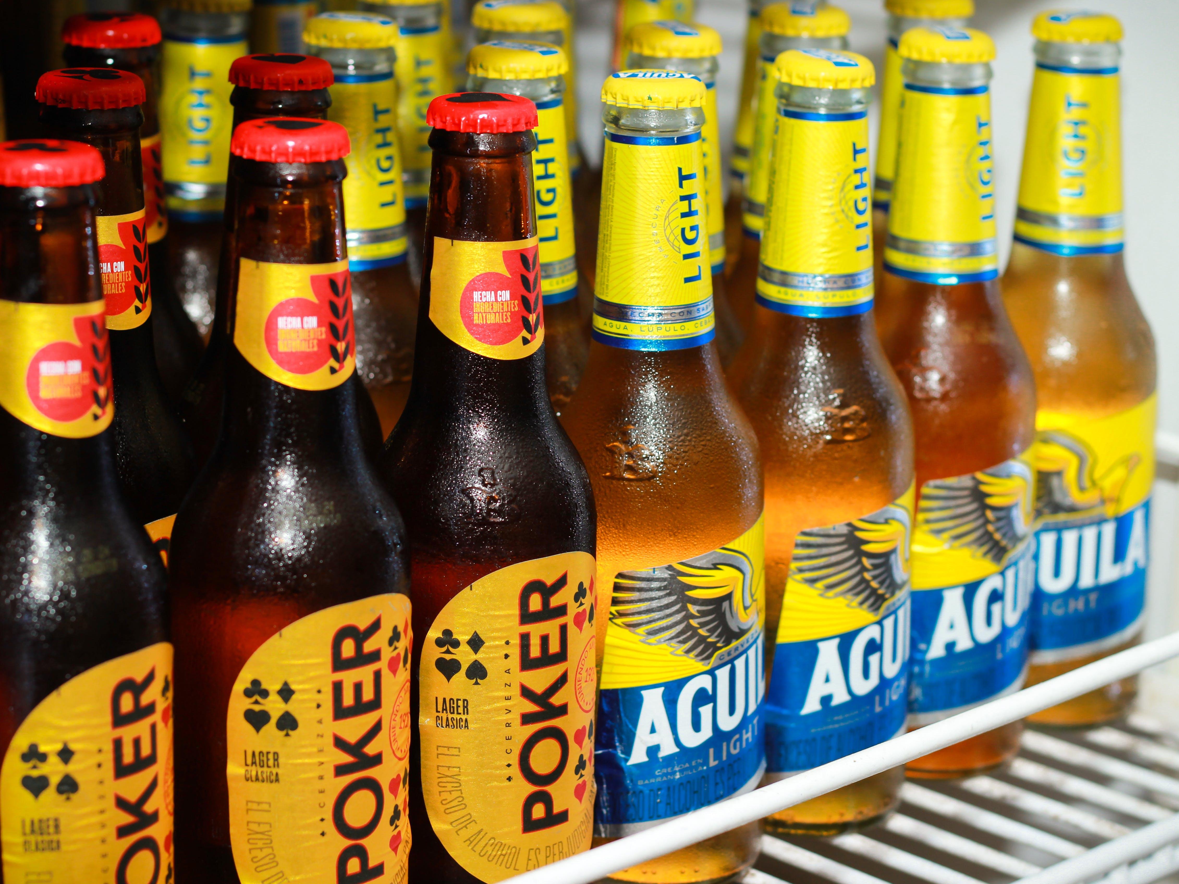 Cerveza Poker Y Aguila Por Calle Ocho Maclic Roldanillo
